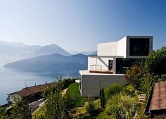Spectacular modern Home <3 Green Roof