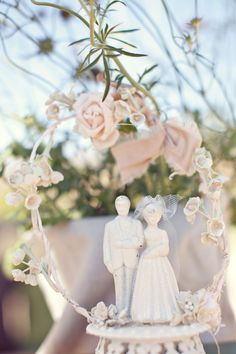 DIY Vintage Wedding Cake Topper