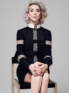 lace on stripes on lace // annie clark, st vincent St Vincent Annie Clark, Saint Vincent, Pretty People, Beautiful People, Beautiful Person, Curly Girl, Girl Crushes, Hair Inspiration, Character Inspiration