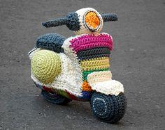 Vespa amigurumi Häkelmuster.  Durch Caloca Crochet