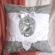 CUSHION old machine Toile old linen lace embroidery lace