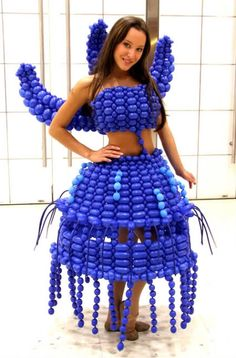 The Virtue of Style: Balloon Art - - Balloon Hat, Balloon Dress, Balloon Flowers, Balloon Animals, Crazy Dresses, Crazy Outfits, Balloons And More, Blue Balloons, Balloon Modelling