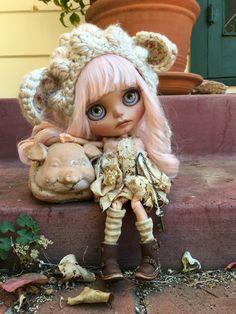 Azalea and Wilber...  Custom Blythe Doll by LoveLaurie
