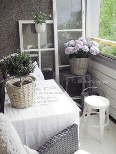 Gris Blanco Corazón: Bricolaje Cool Rooms, Ladder Decor, Cool Stuff, Balcony, Interior, Spring, Google, Summer, Home Decor