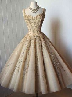 elegant homecoming dresses, A-line homecoming dresses, beaded homecoming dresses, spaghetti straps homecoming dresses, champagne homecoming dresses, ball gown princess dresses, party dresses, graduation dresses, formal dresses#SIMIBridal #homecomingdresses