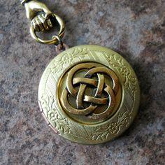 I love love love Celtic Knots and I love this Locket!!!