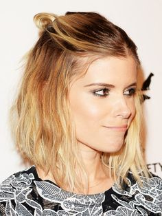 Wow, Kate Mara wears three hair trends at once. She has tied her Ombré-Long Bob to the stylish Half Bun. Well done, Kate, the look ends up right on our copy list. Braided Hairstyles For Wedding, Summer Hairstyles, Bun Hairstyles, Haircuts, Kate Mara, Blond Ombre, Chignon Hair, Hair Color Purple, Stylish Hair