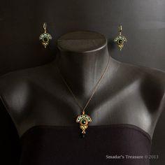 Beading Tutorial Emerald City Necklace Pendant by SmadarsTreasure