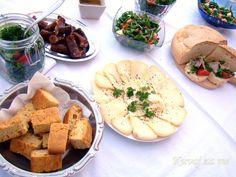 Cornbread Tasty, Yummy Food, Cornbread, Hummus, Camembert Cheese, Main Dishes, Meals, Ethnic Recipes, Millet Bread
