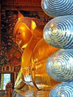 Reclining Buddha in Bangkok, Thailand. Photo by archer10 (Dennis)