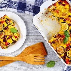 Zapiekana cukinia z czerwoną fasolą i papryką Tacos, Mexican, Ethnic Recipes, Food, Meal, Eten, Hoods, Meals