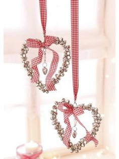 **I'm sure you can make these. Use some medium strength bendable wire and add the bells and ribbon.~skc**