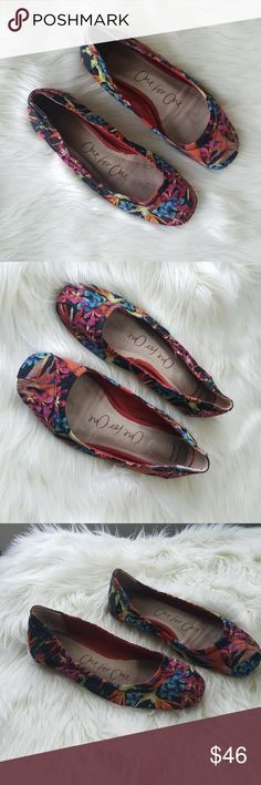 TOMS Bird of Paradise Print Ballet Flats Condition: good Brand: Toms Color: brightly colored bird of paradise print Size: 8.5  🔮 Open to offers 💸  Bundle to save 💰 No trades🚫  ⚡Bundle 2 or more items under $15 and I'll send you an offer with a 30% discount (at least!)⚡ Toms Shoes Flats & Loafers