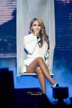 CL #2NE1AONSG