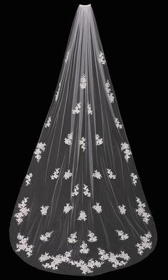 En Vogue Bridal Accessories - Cathedral Bridal Veil | V1695C (http://www.envogueaccessories.com/bridal-veil-v1695c/)