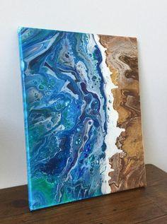 Ursprüngliche abstrakte Malerei von ArtFulDay Flüssigkeit Küste 14 x 11 Meine schöne Flüssigkeit beachy Küste Malerei. Jedes Gemälde ist ein Unikat. Ich kann etwas ähnlich, aber nicht das gleiche machen! Der Ozean hat Strudel von blau, grau, und Bits und Dustings grün. Die Küste ist