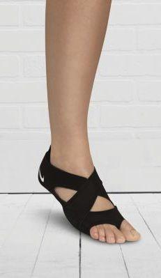 Barefoot feel for your studio classes. #nike #studiowrap