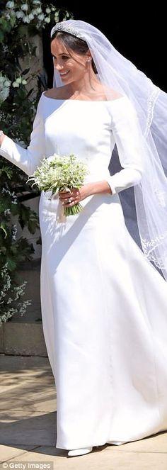Meghan Markle in her Givenchy dress. Royal Wedding Gowns, Royal Weddings, Wedding Dresses, Harry And Meghan Wedding, Harry Wedding, Megan Markle Prince Harry, Prince Harry And Meghan, Lady Diana, Megan Markle Wedding Dress