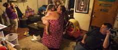 Schaarste, wat doet dat met je.. Desiree en Mike wonen samen met haar zus, partner en in totaal vier kinderen in één huis in Troy (Michigan, VS). Desiree is werkloos en past...