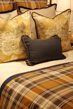 Traditional decor make abundant use of fabrics in patterns such as floral, plaids, stripes, and toile. Home Decor Fabric, Home Decor Bedroom, Traditional Decor, Traditional House, Tartan, Plaid Bedroom, Toile Bedding, English Country Decor, French Country