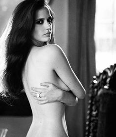 Eva Green by Riccardo Tinelli for Tatler UK, December 2009 Beautiful Celebrities, Most Beautiful Women, Actress Eva Green, Bond Girls, Casino Royale, French Actress, Woman Crush, Sensual, Movie Stars