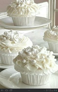 Do you love Cupcakes? Does your family love cupcakes?the prepare to enjoy this collection of 115 AMAZING Cupcake Recipes! Cookies Cupcake, Love Cupcakes, Wedding Cakes With Cupcakes, Cupcake Wedding, Elegant Cupcakes, Pearl Cupcakes, Yummy Cupcakes, Wedding Desserts, Decorated Cupcakes