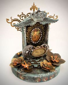 Altered clock. I would have never thought of this idea of  reusing an old clock but I think it's pretty