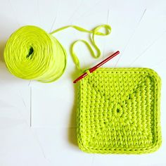 "90 curtidas, 2 comentários - @redberry_mm no Instagram: ""Вяжем корзинку: #Шаг #2. #Step #2. #redberry_mm #yarn #yarnart #tektek #rope #knitting #crochet…"""