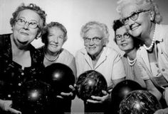1962 Women's Bowling Team.