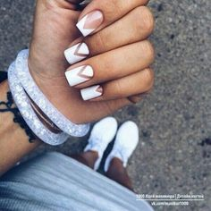Find images and videos about cute, nails and nice on We Heart It - the app to get lost in what you love. Perfect Nails, Gorgeous Nails, Pretty Nails, Minimalist Nails, May Nails, Hair And Nails, Short Nails Art, Dream Nails, Nagel Gel