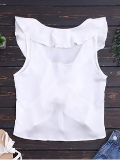 Latest fashion women's beach tops - beach blouses and strapless beach tops at ZAFUL. Browse our wide selection of trendy summer tops for beach at great prices. Cropped Tank Top, Crop Tank, Tank Tops, Como Fazer Short, Denim Vintage, Ugly Christmas Sweater Women, Baby Girl Party Dresses, Fandom Outfits, Mini Vestidos
