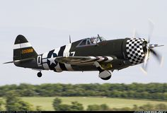 three tails air crafts | Picture of the Republic P-47G Thunderbolt aircraft
