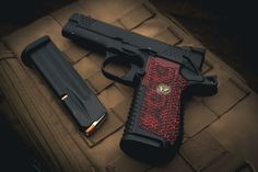 VZ G10 Boomerang grips for the Wilson Combat EDC X9 and X9L Wilson Combat, Edc, Hand Guns, Firearms, Pistols, Every Day Carry
