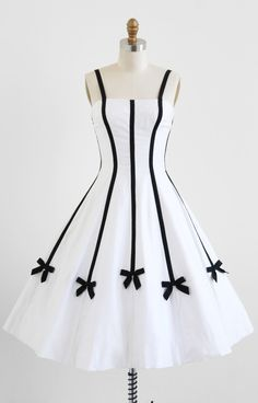 Vintage 1950s dress / White and Black Bows Party Dress
