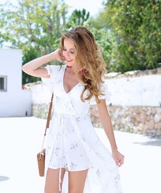 Summer dress, Michael Kors bag and Pom Pom sandals