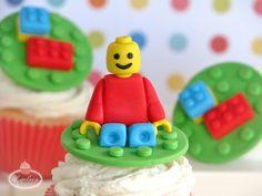 Follow these brick-by-brick instructions to construct Lego-inspired cake and cupcake toppers for every master builder! Great for birthdays & more!