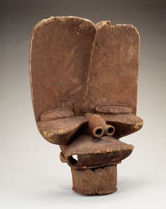 Crest mask Maker: Bamileke peoples Date: Late century Geography: Grassfields region, Cameroon Medium: Wood Smithsonian National Museum of African Art African Masks, African Art, African Style, Picasso, Soap Carving, African Sculptures, Art Premier, Art Sculpture, Circular Pattern