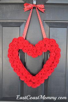 Heart Rosette Valentine's Day Wreath. #InteriorDecorInspiration #ValentinesCrafts