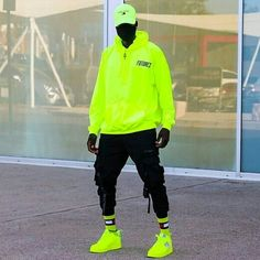 Swag Outfits Men, Neon Outfits, Hip Hop Fashion, Urban Fashion, Urban Street Style, Urban Street Wear, Nike Street Style, Black Men Street Fashion, Pantalon Cargo