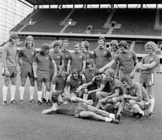 Team pics 1968-1975 Chelsea Fc Team, Team Pictures, Sumo, Wrestling, Sports, Lucha Libre, Hs Sports, Excercise, Sport