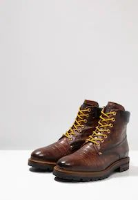 Giorgio 1958 Snørestøvletter - brown - Zalando.no Dr. Martens, Dark Brown, Hiking Boots, Combat Boots, Shopping, Shoes, Fashion, Moda, Zapatos