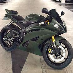 Stealth via ckoll Motos Yamaha, Yamaha Motorcycles, Vintage Motorcycles, Motorcross Bike, Motorcycle Bike, Motorbike Girl, Women Motorcycle, Moto Ducati, Super Bikes