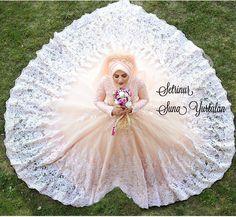 what are muslim wedding dresses called Muslim Wedding Dresses, Wedding Hijab, Wedding Dresses For Sale, Cheap Wedding Dress, Wedding Dress Styles, Sixpack Women, Pre Wedding Poses, Wedding Rituals, Wedding Dress Boutiques