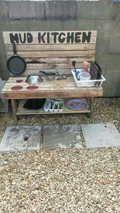Mud kitchen how cool! I wish I knew how to work with wood More