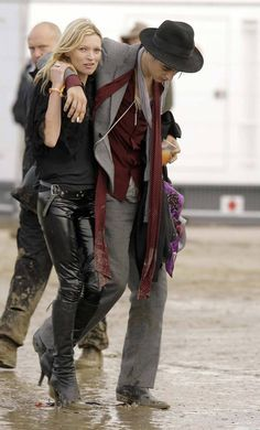 Kate Moss with Pete Doherty at 2007 Glastonbury Festival.