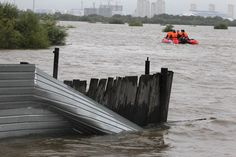 30,000 evacuated as floodwaters continue to swamp Russia's Far East - http://isbigbrotherwatchingyou.com/2013/08/19/whistleblowers/30000-evacuated-as-floodwaters-continue-to-swamp-russias-far-east/