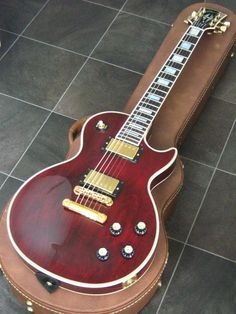 Gibson Les Paul Custom Wine Red with Gold Hardware [1999]