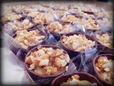 Copinhos de chocolate - Doce de leite crocante