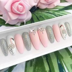 Nageldesign Pink flamingo press on nails stiletto nails Coffin nails Fake nails False nails flamingos Acrylic nails gel nails nails Flamingo Nails, Unicorn Nails, Rose Gold Nails, Pink Nails, Cute Nails, Pretty Nails, Ongles Kylie Jenner, Nail Art Designs, Ongles Or Rose