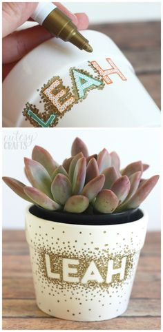 Sharpie Dot DIY Flower Pots - Cutesy Crafts - - Make some cute Sharpie Dot DIY Flower Pots. A fun kids craft and perfect for spring! Could also make a fun mother's day craft or teacher gift. Painted Plant Pots, Painted Flower Pots, Painted Pebbles, Hand Painted, Pots D'argile, Clay Pots, Diy Home Decor Projects, Diy Garden Decor, Garden Ideas